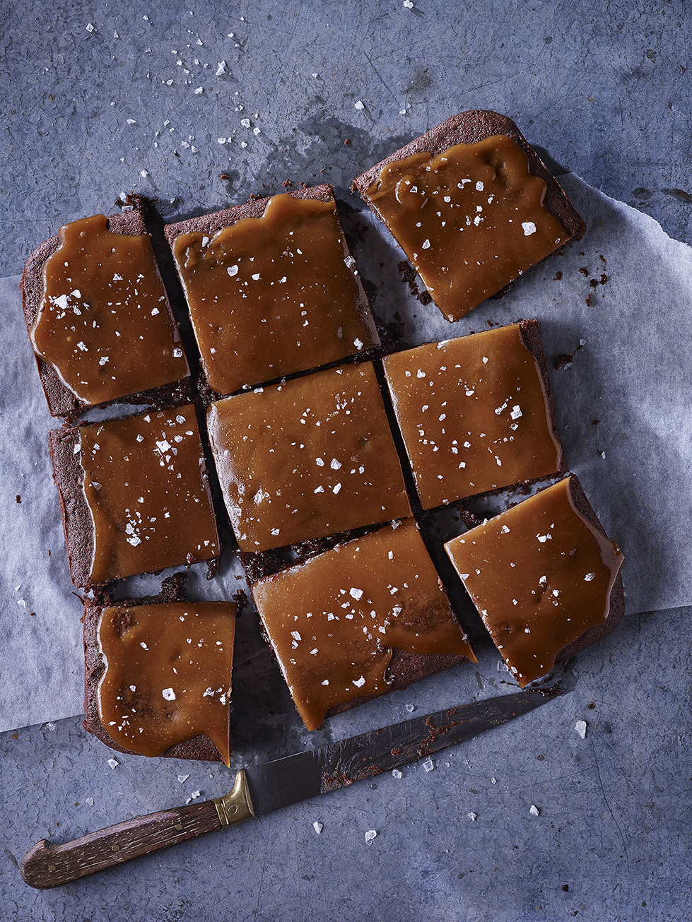 GOOEY SEA SALTED CARAMEL BROWNIES