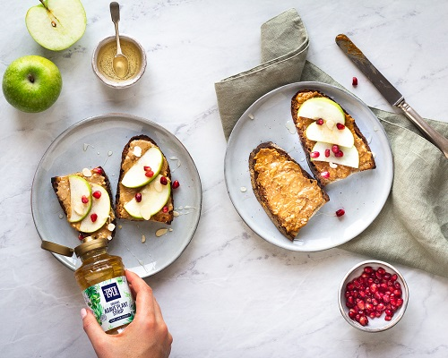 Peanut Butter & Agave Plant Syrup Toast with Apples