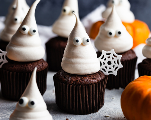 Halloween Chocolate Cupcakes with Meringue Ghosts